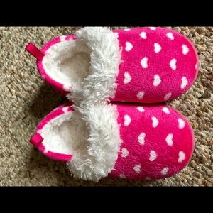 Adorable slippers size 5/6